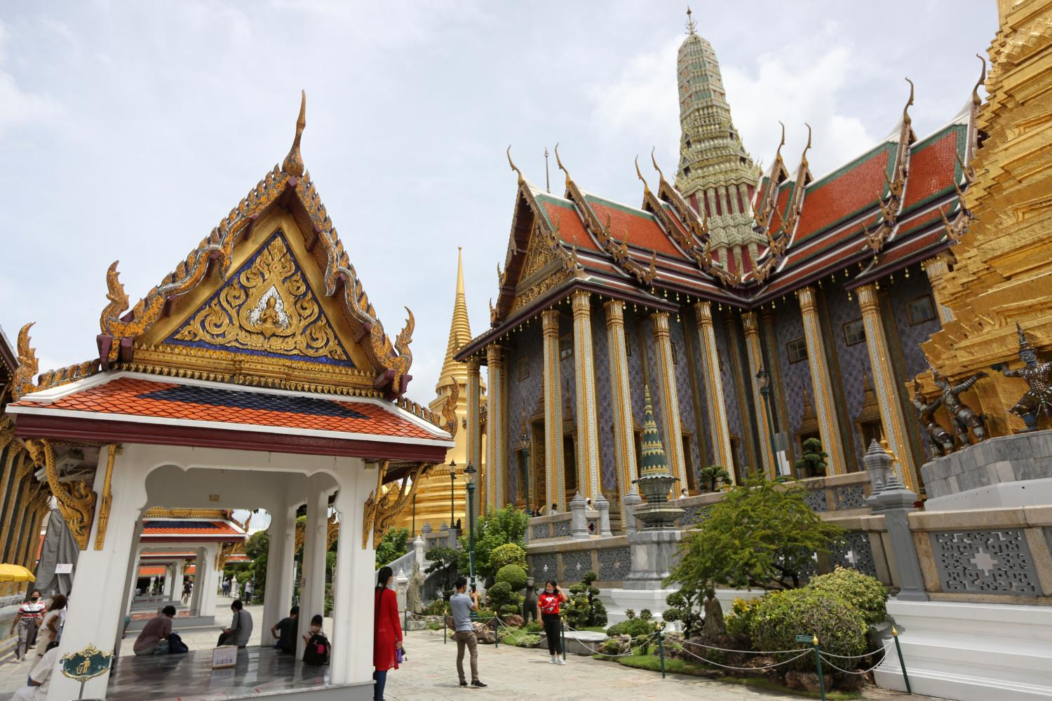 The Temple of the Emerald Buddha. Many temples have joined the e-donation system.(Photo by Wichan Charoenkiatpakul)