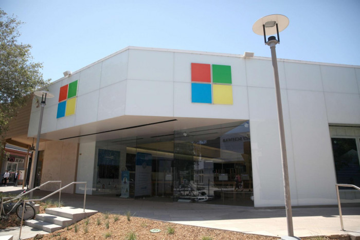 Microsoft to Close Its Retail Stores