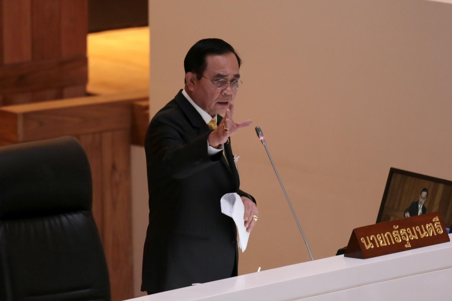 A recent poll shows the public wants Prime Minister Prayut Chan-o-cha to reshuffle his cabinet. Chanat Katanyu