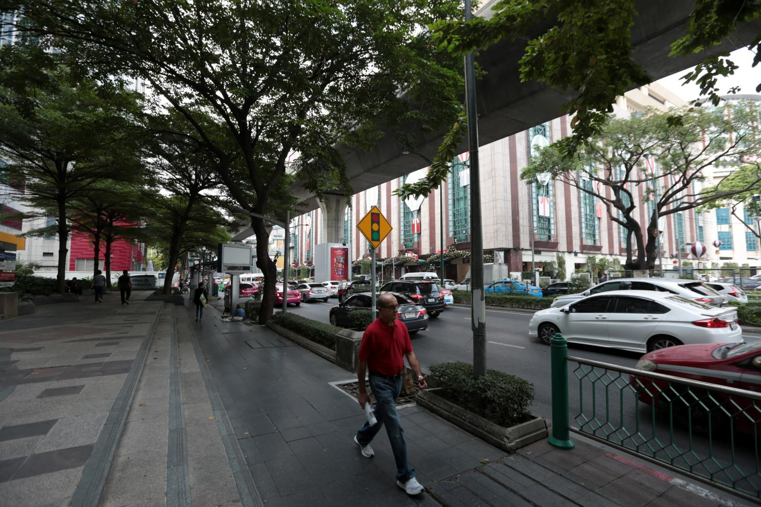 Electricity poles and cables along Sukhumvit Road have been removed as part of the Smart Metro project.Chanat Katanyu