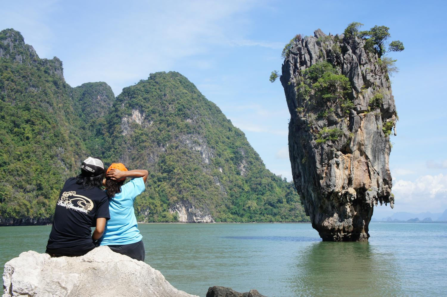 The scenic James Bond island, named after James Bond which was filmed here, is a popular attraction of the Phangnga Bay in Phangnag.