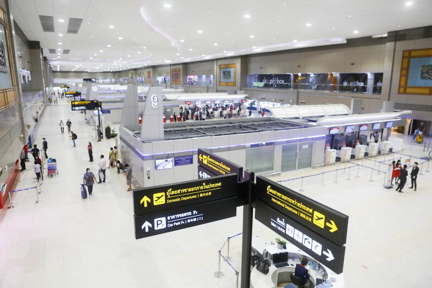 Don Mueang airport, the hub for Thai AirAsia's services, has seen passenger numbers collapse this year because of the coronavirus outbreak.(Photo by Pattarapong Chatpattarasill)