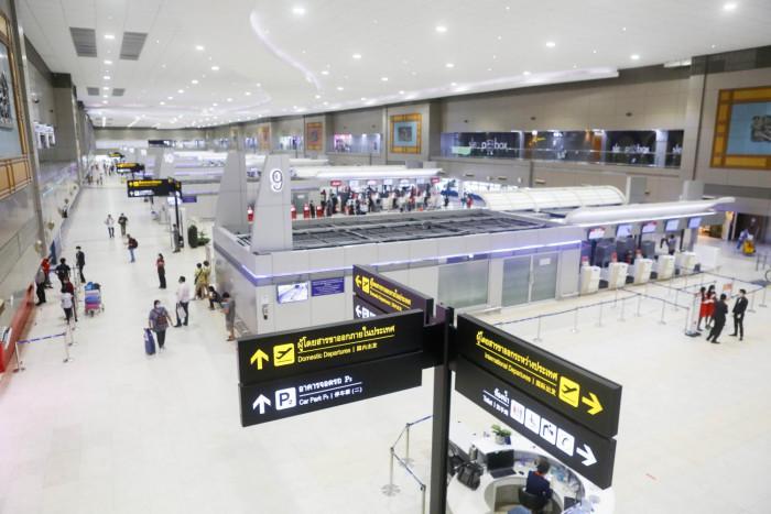 Thai AirAsia, Dusit uneasy over ailing economy