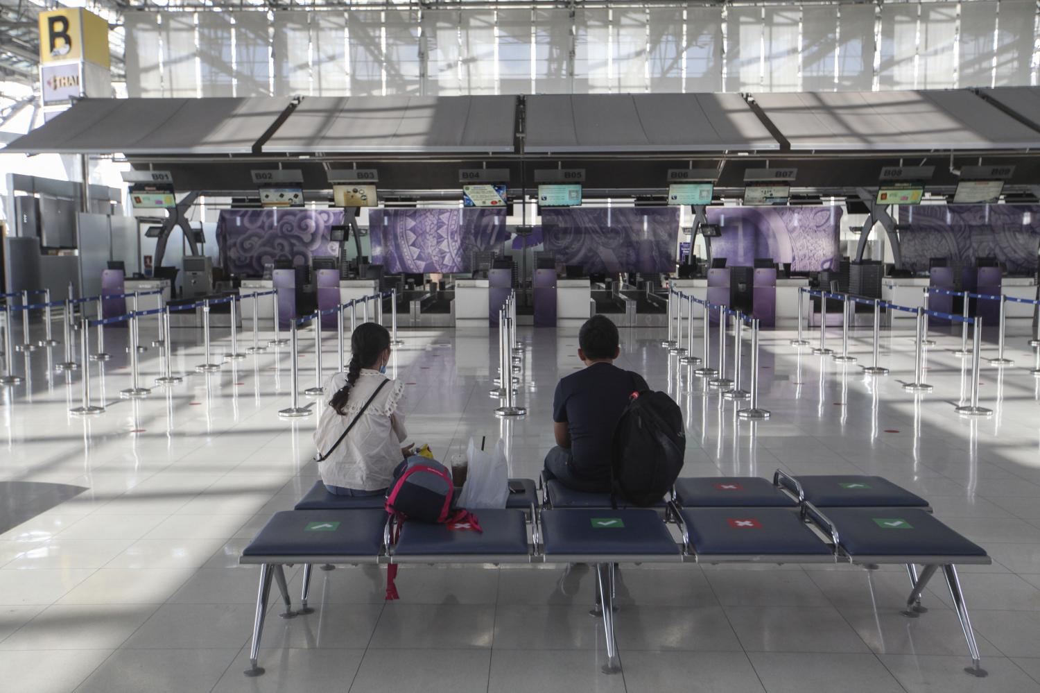 Suvarnabhumi airport has seen little traffic amid travel restrictions. The FPO predicts 6.8 million foreign tourist arrivals this year, down from 39.8 million in 2019.(photp by Arnun Chonmahatrakool)