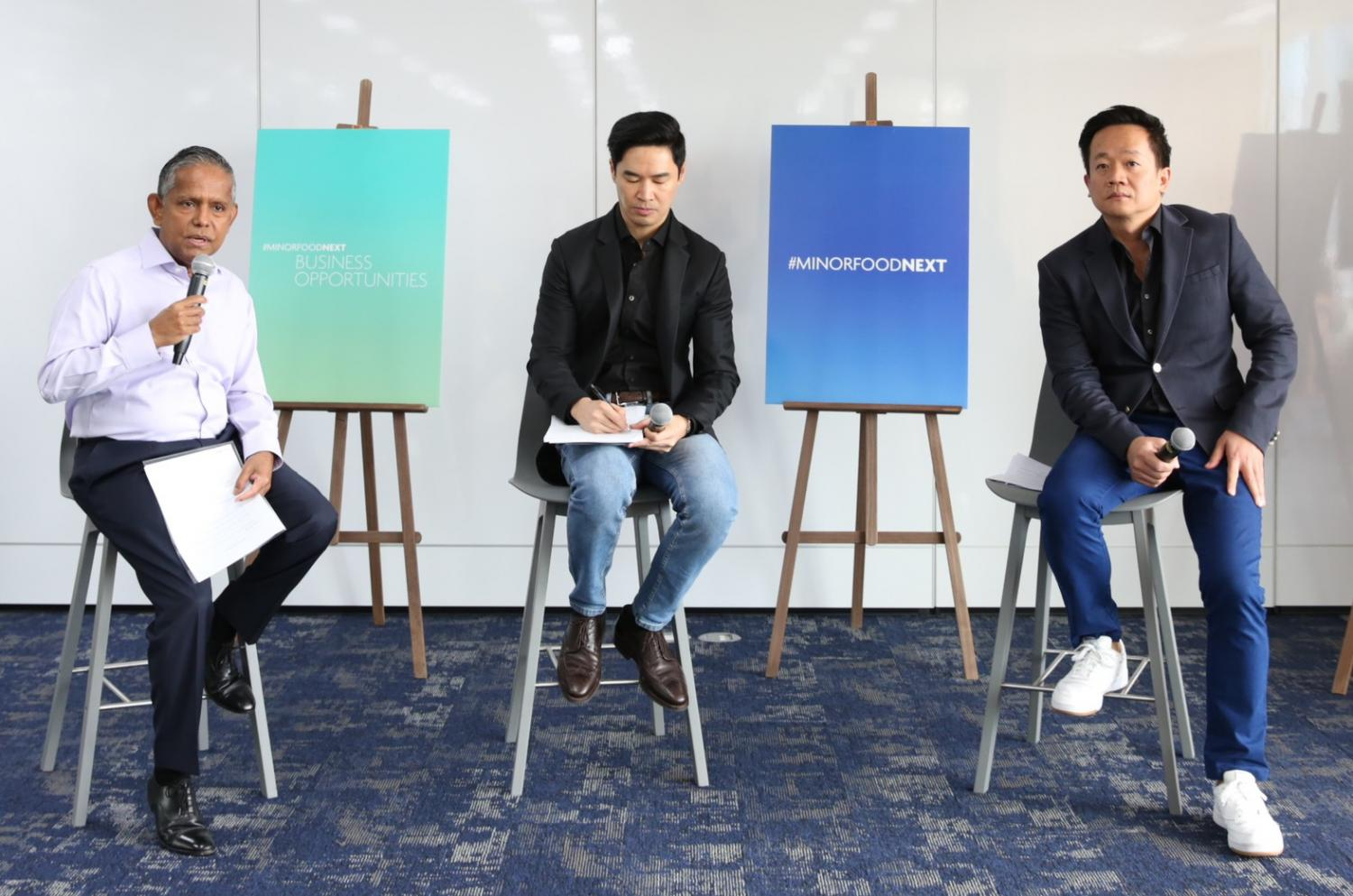 Dillip Rajakarier (left), Chaiyapat Paitoon (centre) and Prapat Siangchan announce their 2020 strategy at Minor Food Group's press conference.