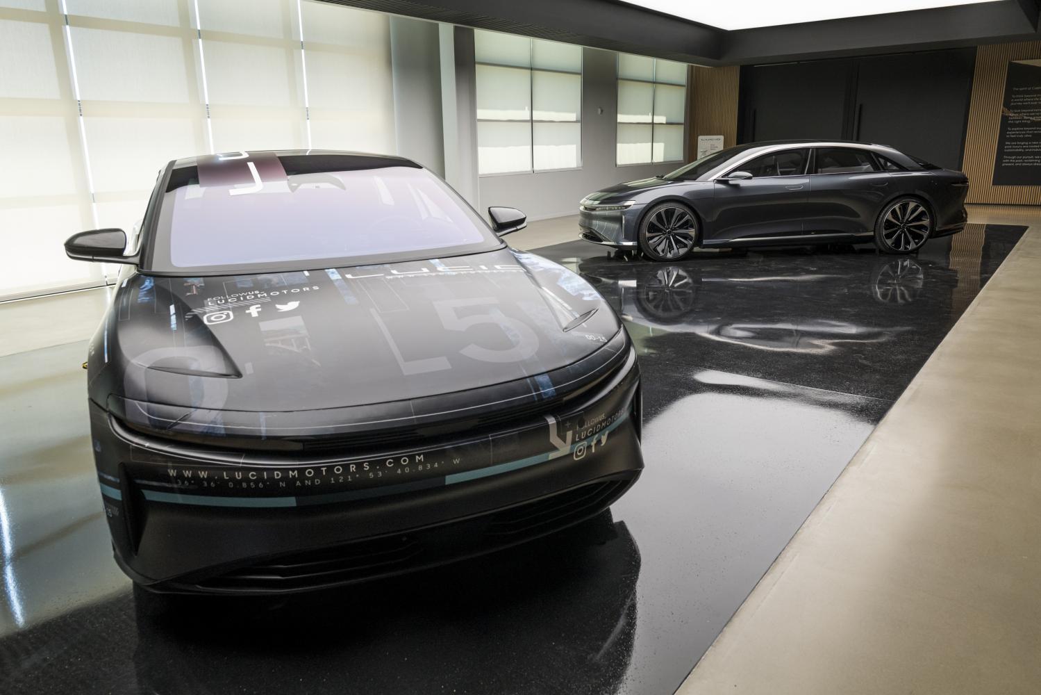 Lucid's luxury sedan first EV with 500-mile driving range