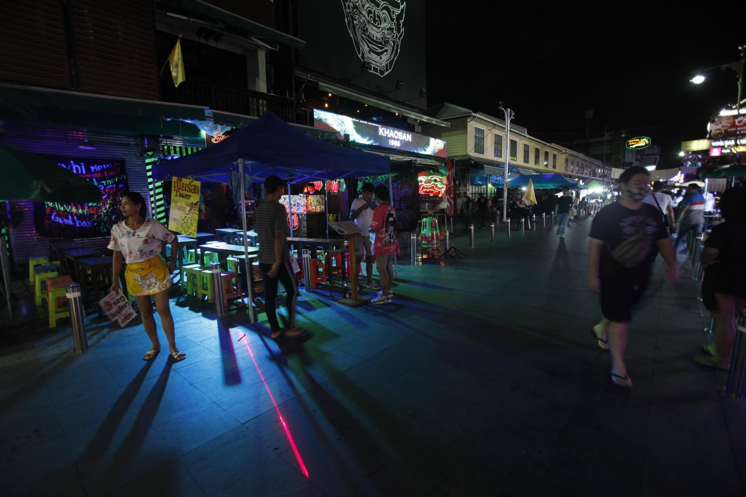 Nightlife is trickling back to Khao San Road after a long shutdown during the coronavirus outbreak.(Photo by Nutthawat Wicheanbut)