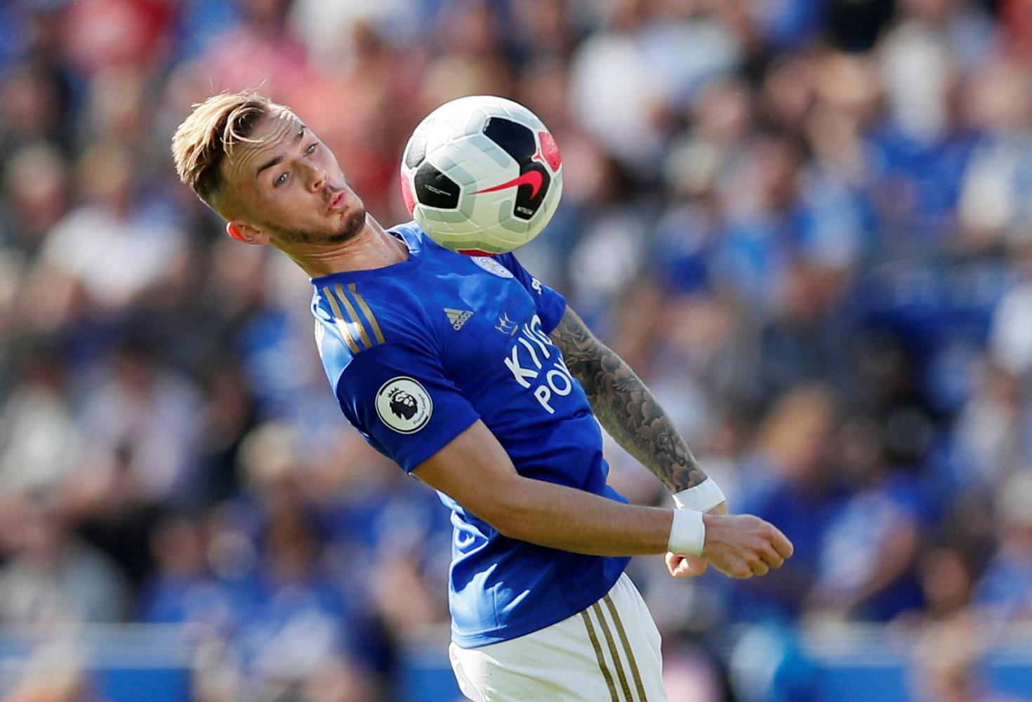 Jamie Vardy: Leicester City striker extends Foxes contract until 2023