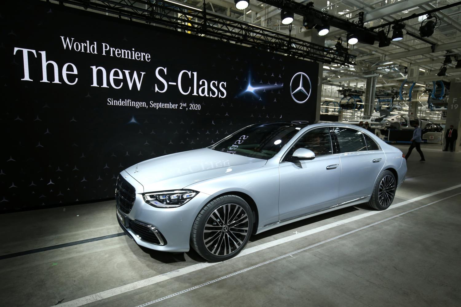 The new Mercedes-Benz S-Class sedan is pictured during its presentation at the Daimler production plant in Sindelfingen on Wednesday.(Reuters photo)