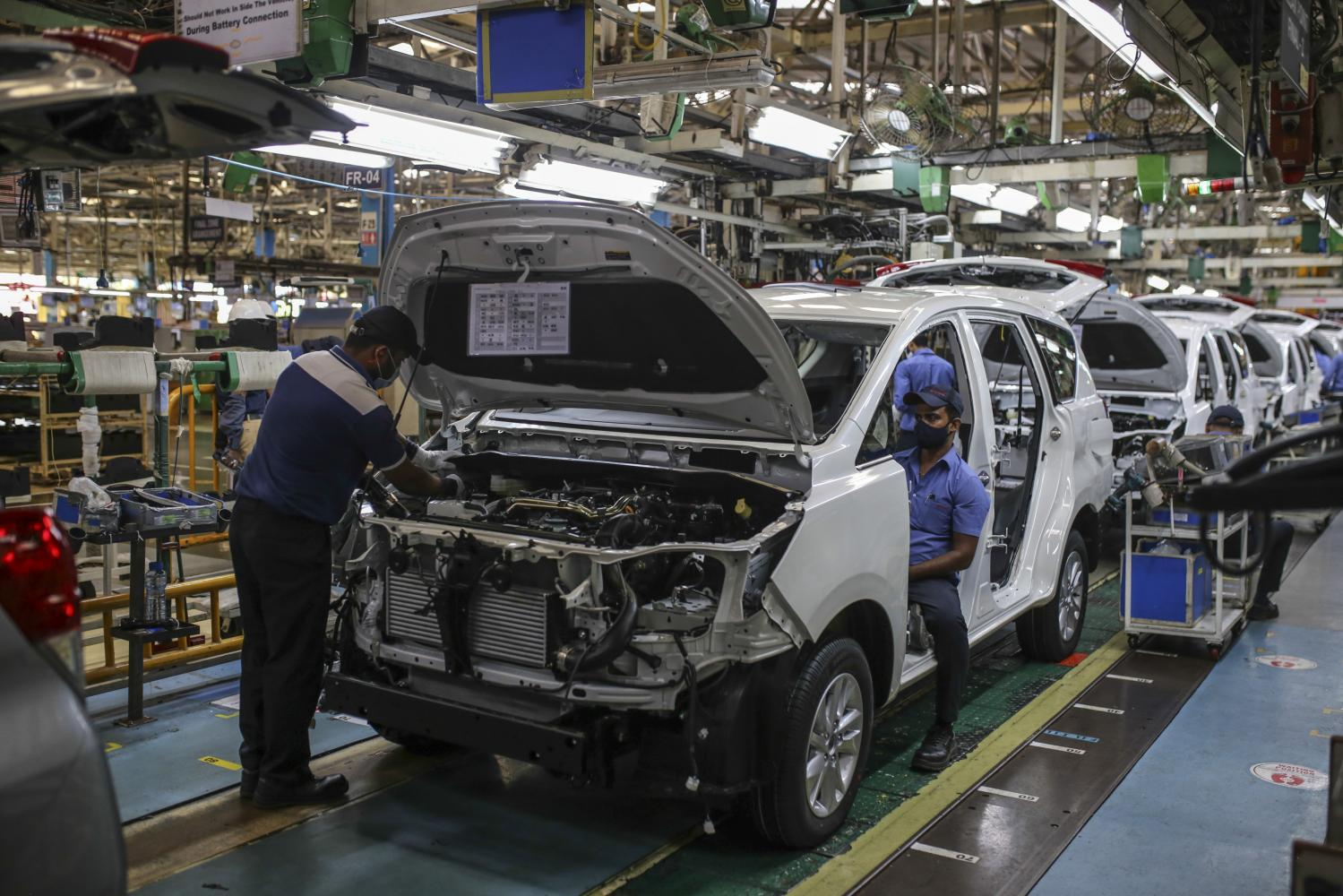 Toyota puts Indian expansion on hold