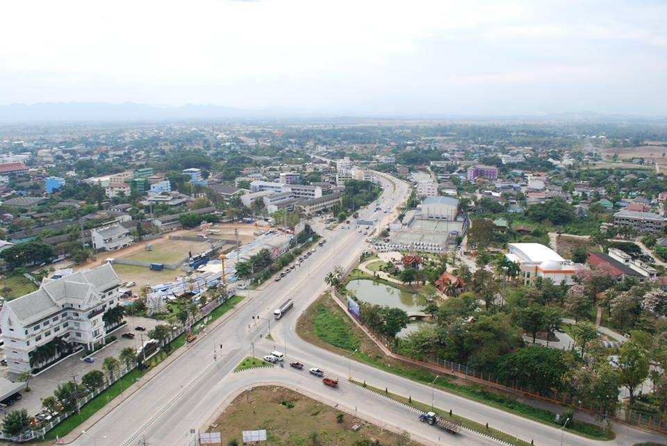 A bird's-eye view of a special economic zone in Tak province. The Treasury Department is preparing to open a bid for the use of state properties under its supervision in the SEZs located in Nong Khai, Mukdahan and Tak.(Photo by Asawin Pinitwong)