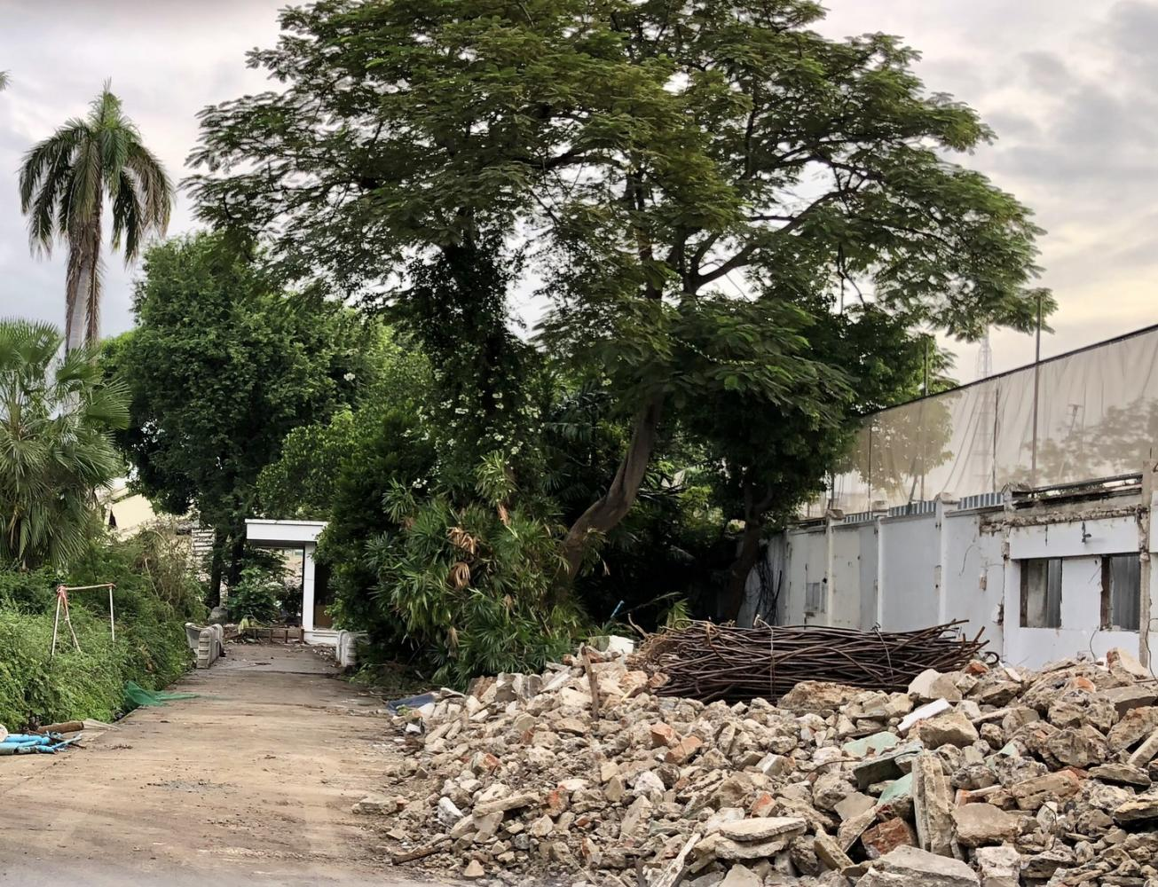 Debris is seen at Ban Si Sao Thewes, the former home of late Privy Council president Prem Tinsulanonda, which is being demolished.WASSANA NANUAM