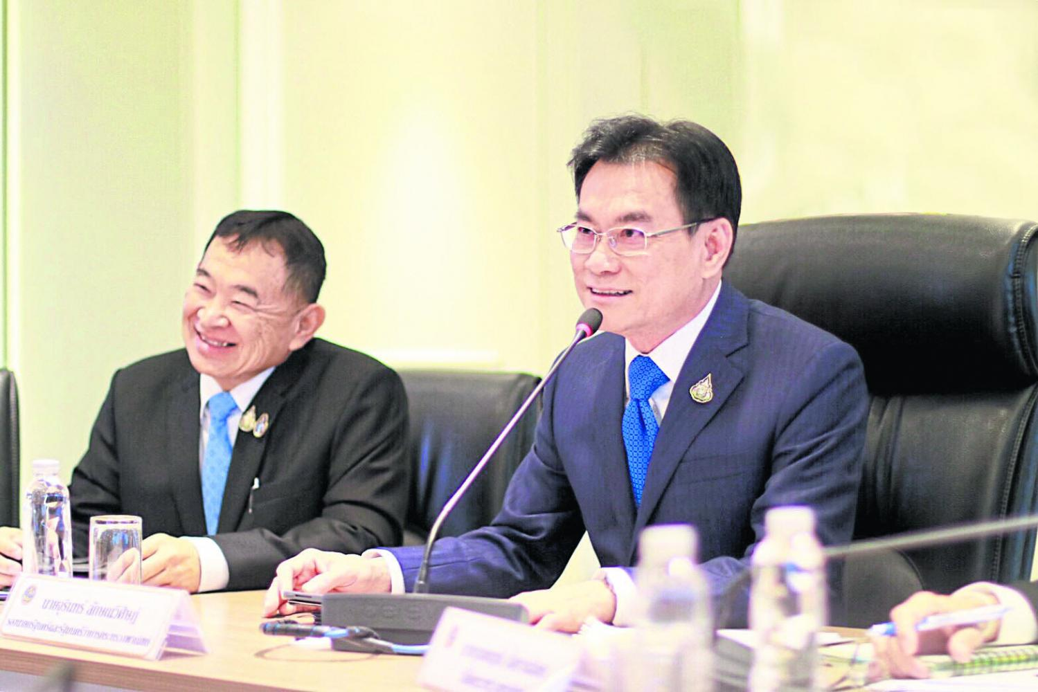 Commerce Minister Jurin Laksanawisit says the ministry is in talks with Hainan.