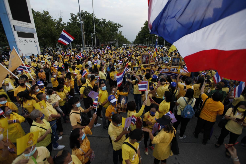 Prayut lifts state of emergency