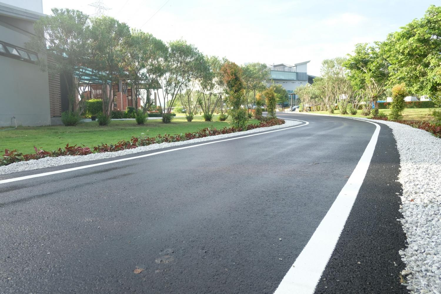 FTI: Recycled plastic roads key to BCG