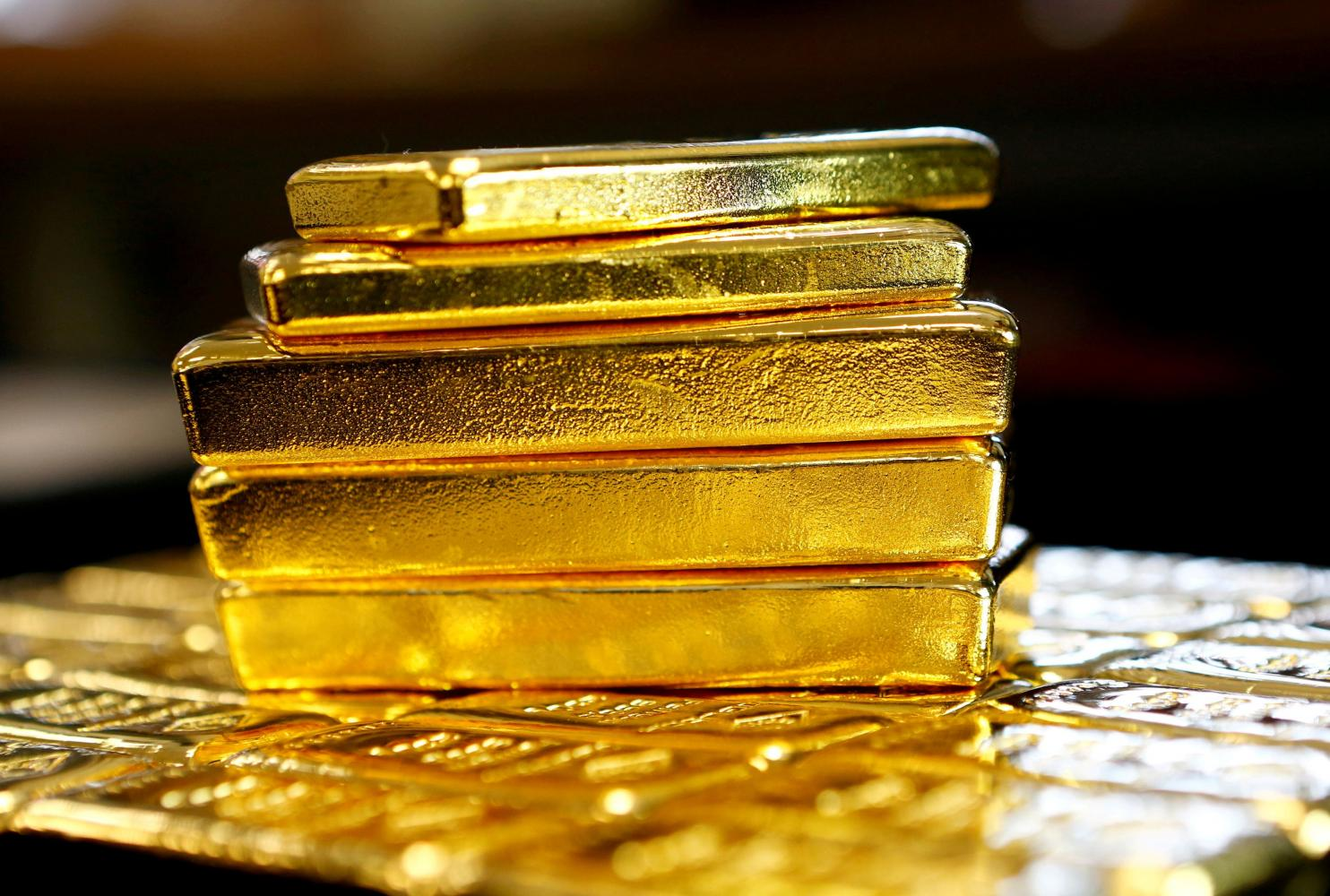 Central banks unload gold as virus bites