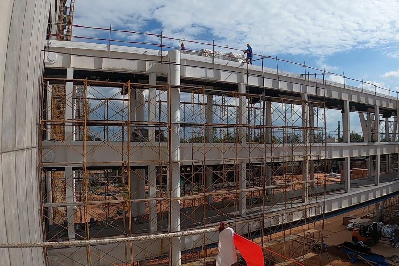 Workers at the construction site of a new terminal at Khon Kaen airport.(Photo by Chakkrapan Natanri)