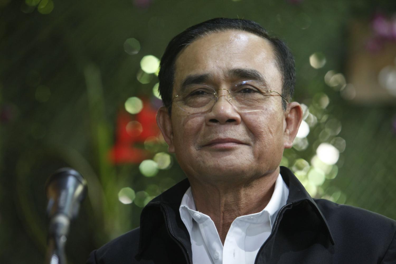 Prayut: Orders border barricades