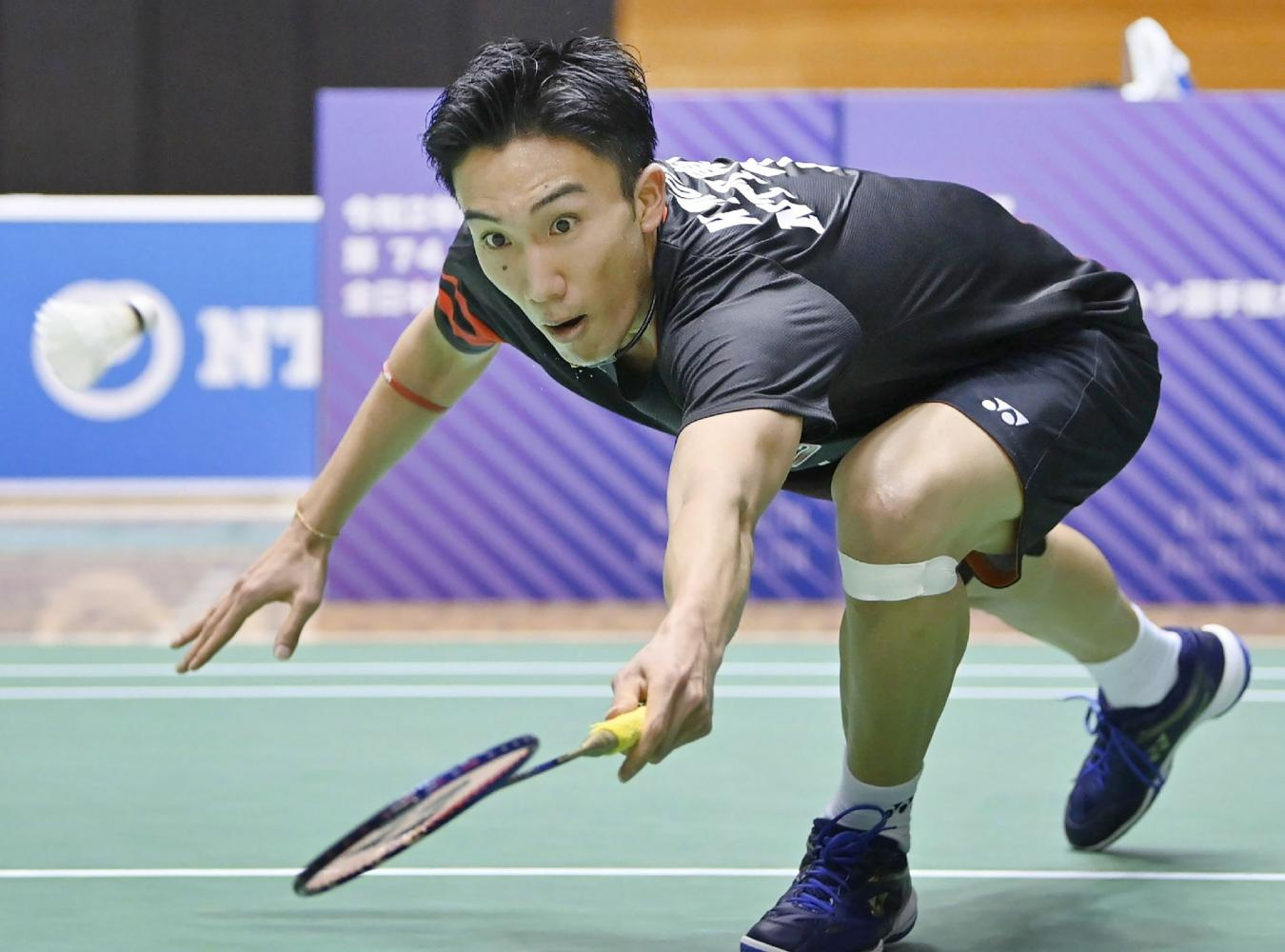 Kento Momota competes at the All-Japan National Championships last month. (AFP photo)