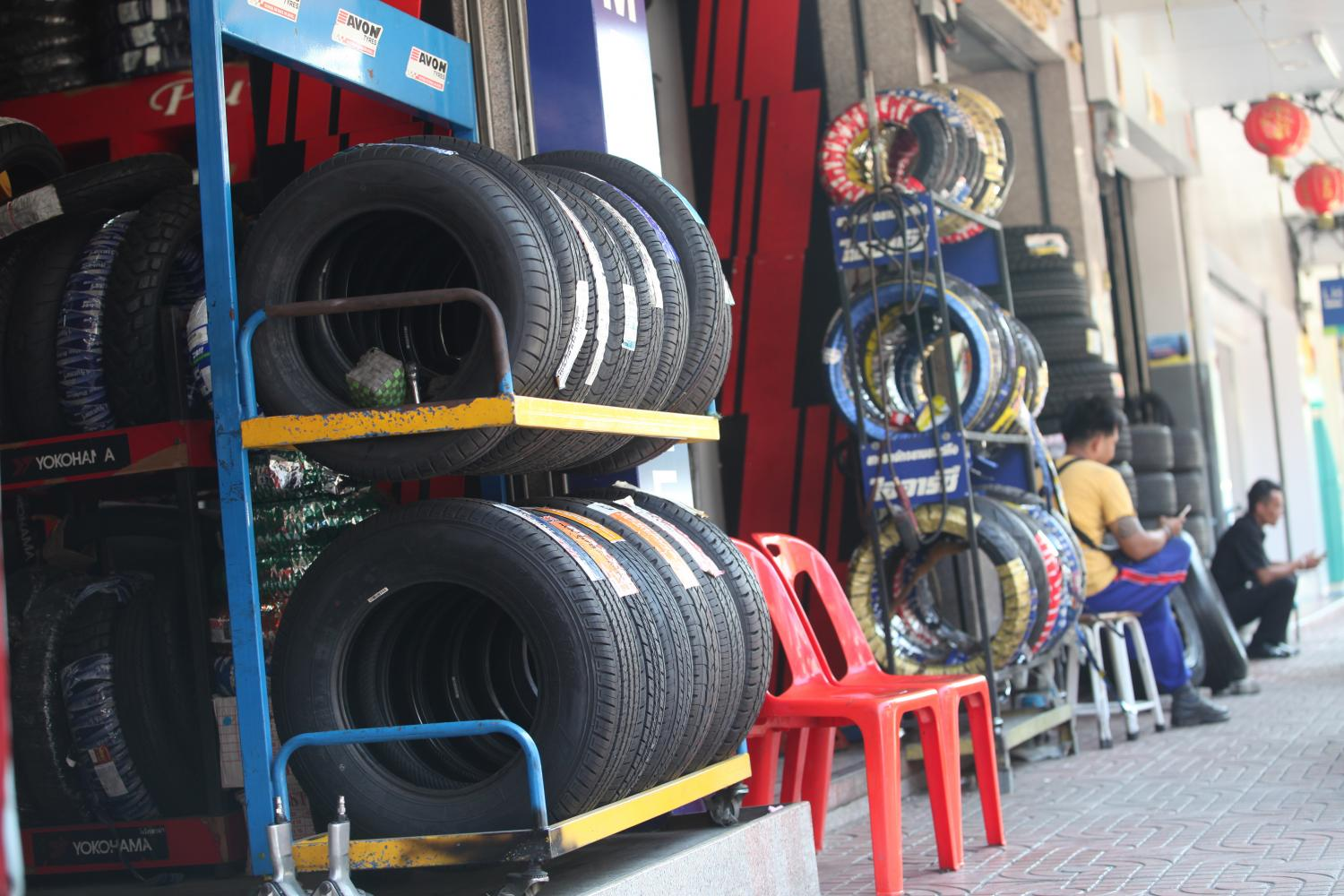 Between 18.5 and 19.2 million tyres are estimated to be exported to the US during the first half of 2021.(Photo by Pawat Laupaisarntaksin)