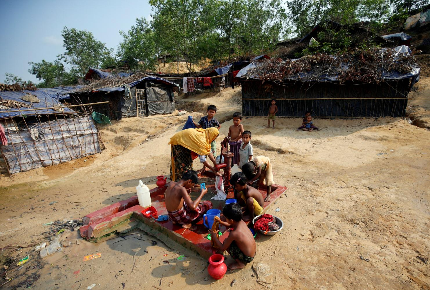 Family ties keep hopes alive in Bangladesh camps