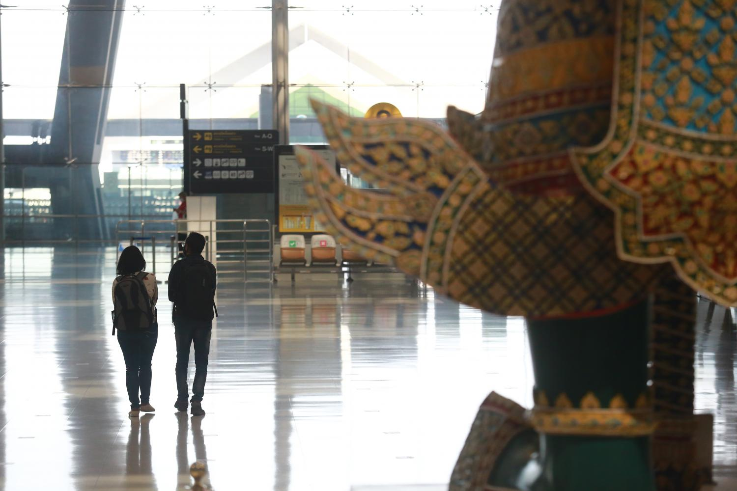 Suvarnabhumi airport, considered a regional hub, is all but vacant as a result of international travel restrictions. A TripAdvisor survey indicates tourists are inclined to travel to destinations where visitors must be vaccinated before travelling. Somchai Poomlard