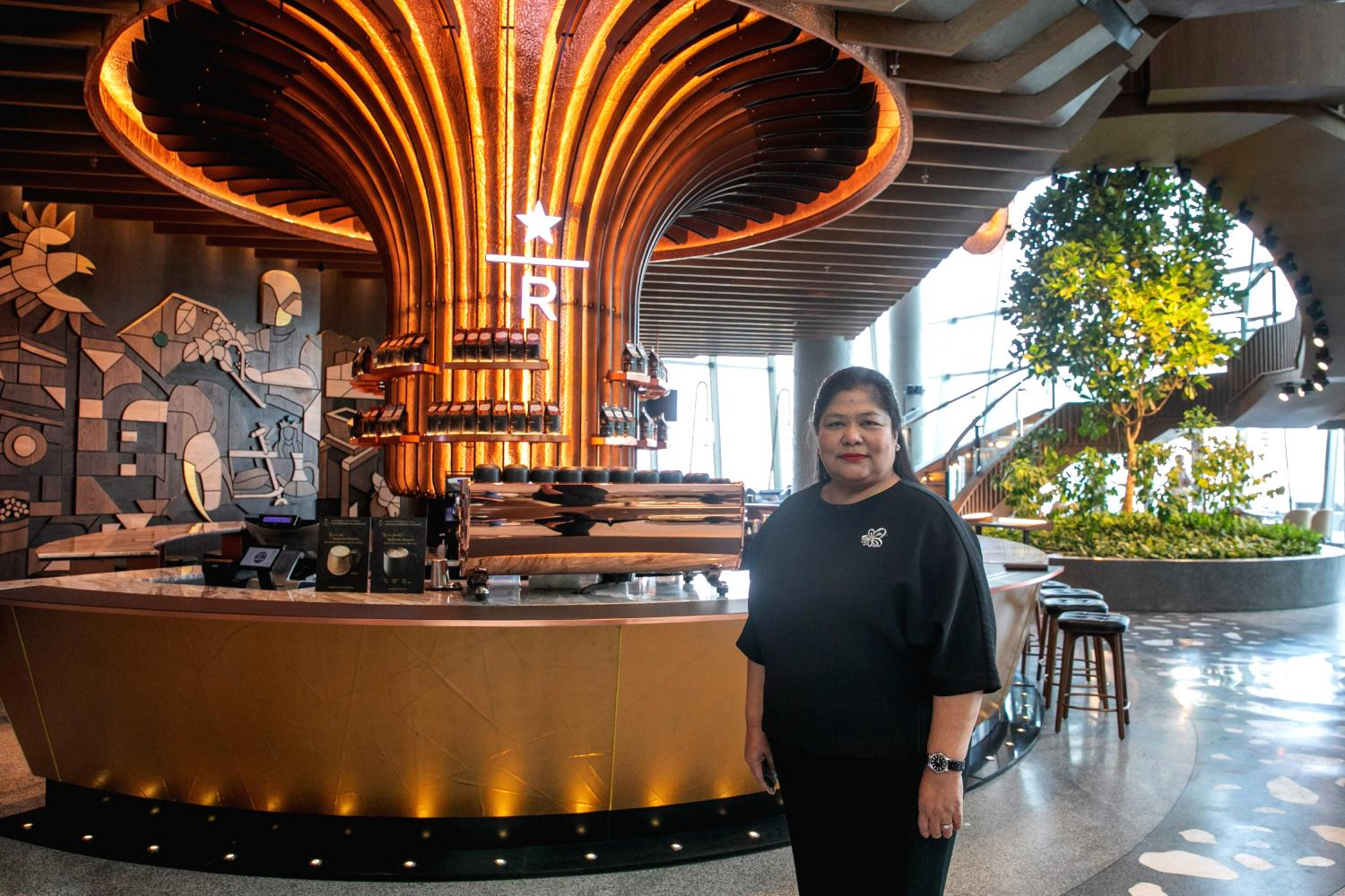 Ms Nednapa pays a visit to Starbucks Reserve Chao Phraya Riverfront, the 417th Starbucks store in Thailand, which is set to open on Friday.
