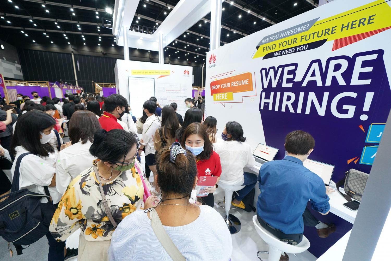 The bustling atmosphere of a job fair at Bitec Bangna late last year. A total of 33% of Thai companies say they will increase their workforce in 2021.