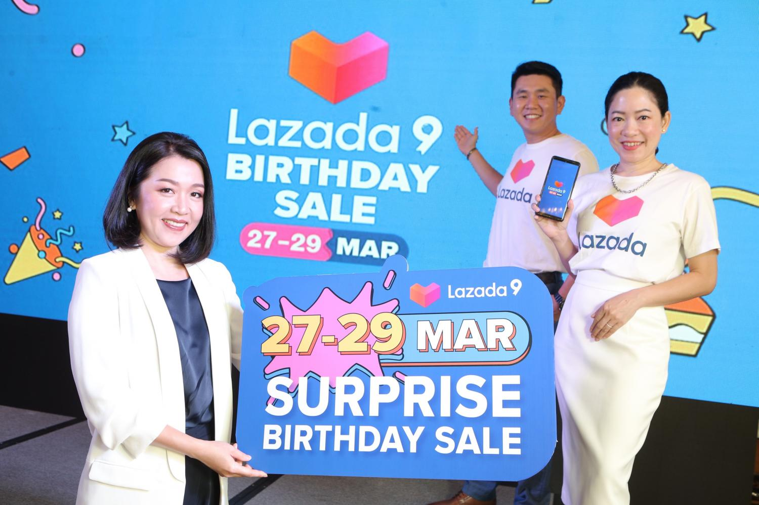 Ms Thanida, left, Melissa Yunibhand, Lazada Thailand's chief finance officer, right, and Aaron Goh, chief customer officer, launch the firm's Surprise Birthday Sale.