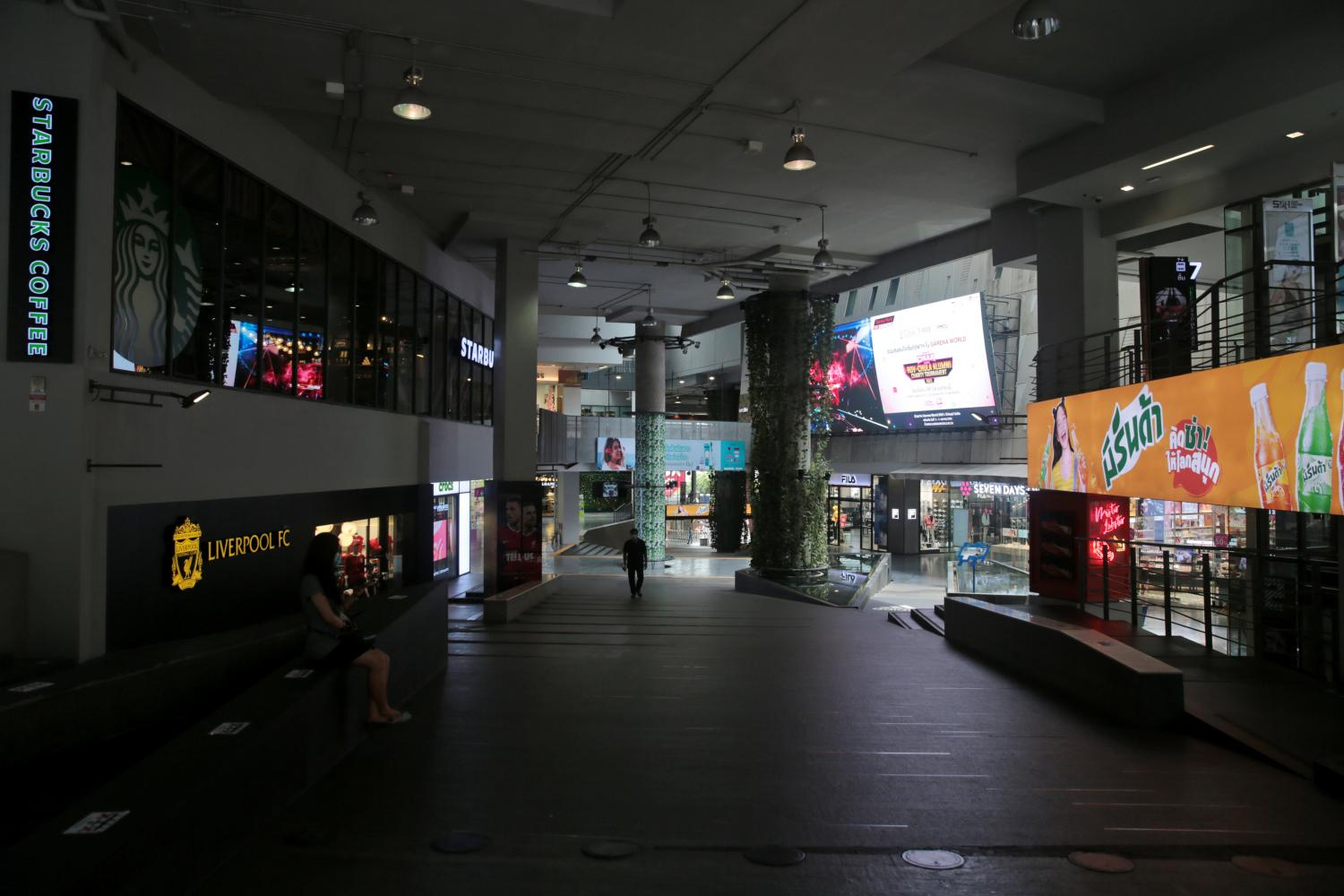 Pathumwan district is almost deserted amid the third wave of Covid-19, which has dealt yet another blow to retailers still struggling as a result of previous outbreaks.(Photo by Chanat Katanyu)