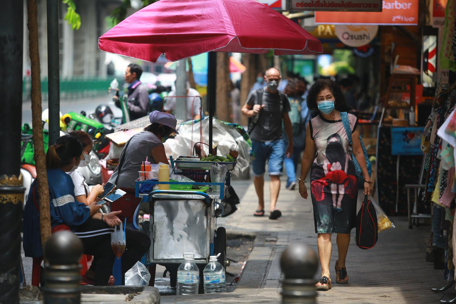The third wave of Covid-19 has affected locals' livelihood, even as businesses were adjusting to the economic impact of the first and second outbreaks. (Photo by Somchai Poomlard)