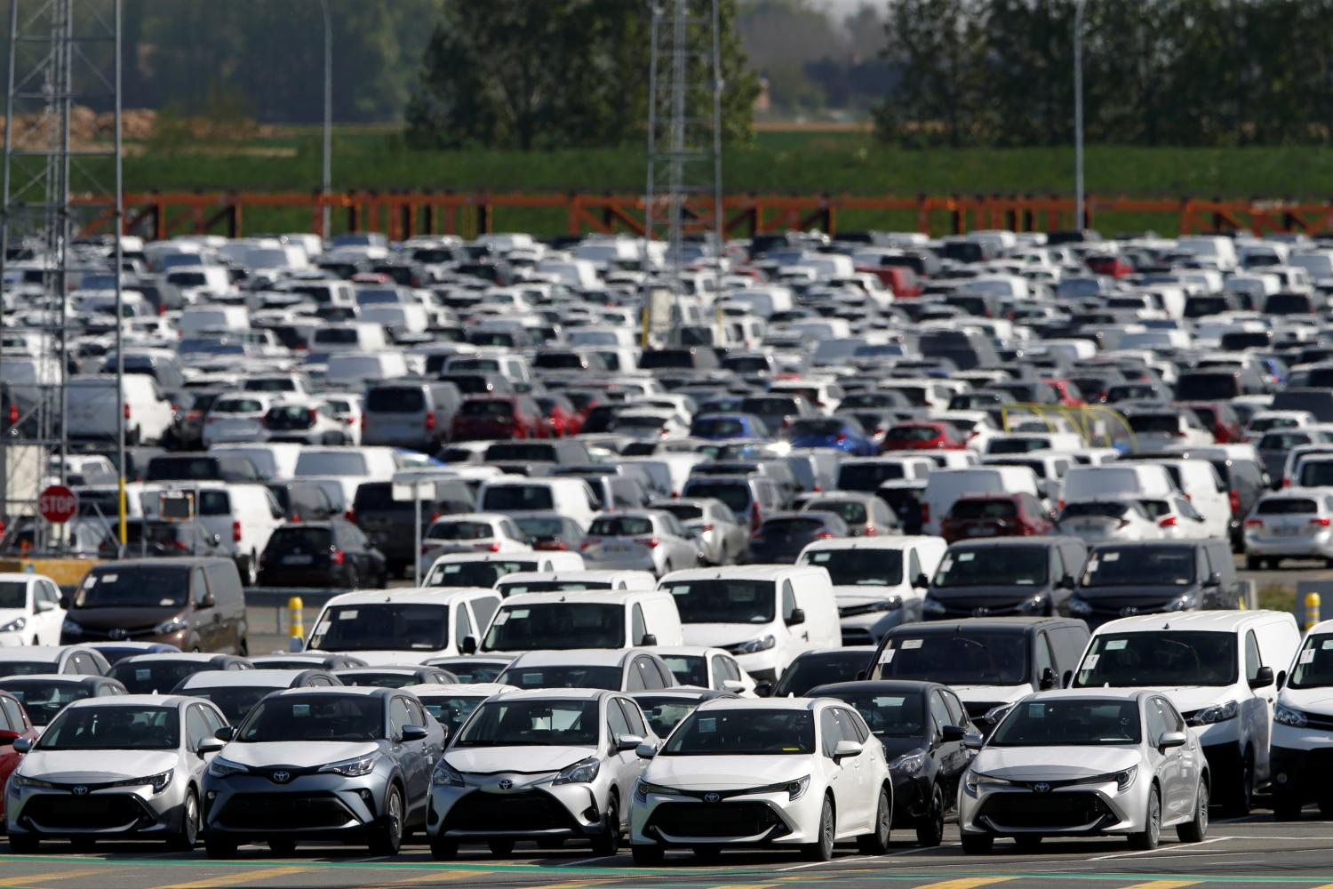 New cars are seen parked at Toyota Motor Corp's plant in Onnaing, France.(Photo: Reuters)
