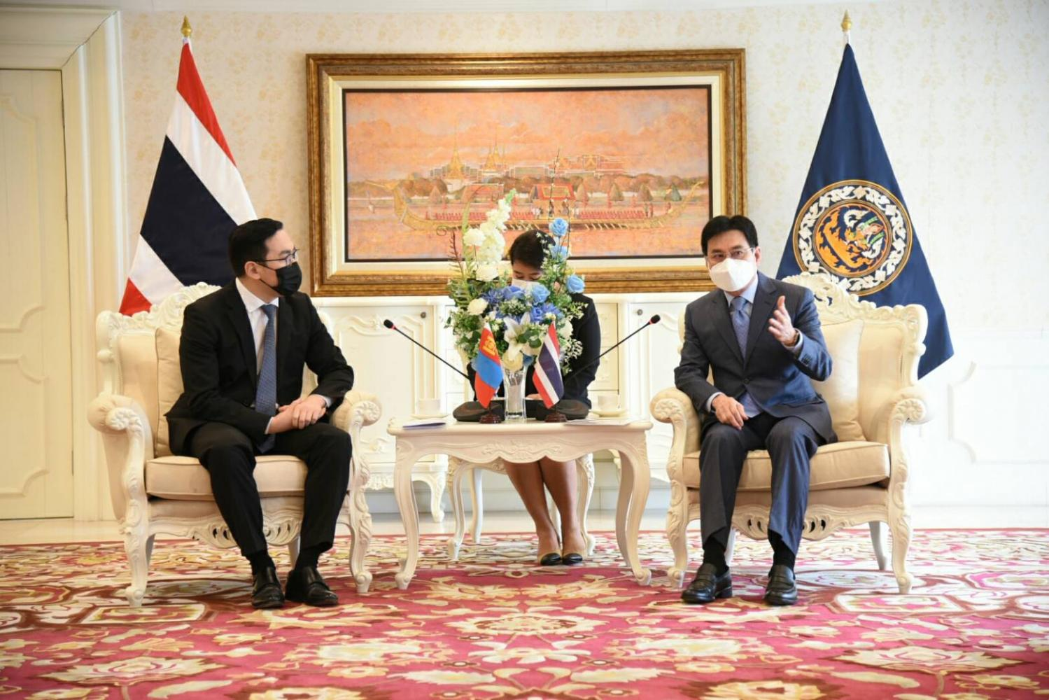 Mr Tumur Amarsanaa, the Mongolian ambassador to Thailand, left, paid a courtesy call to Commerce Minister Jurin Laksanawisit to discuss ways to enhance bilateral trade and investment, aiming to achieve a trade target of 3.1 billion baht by 2023.