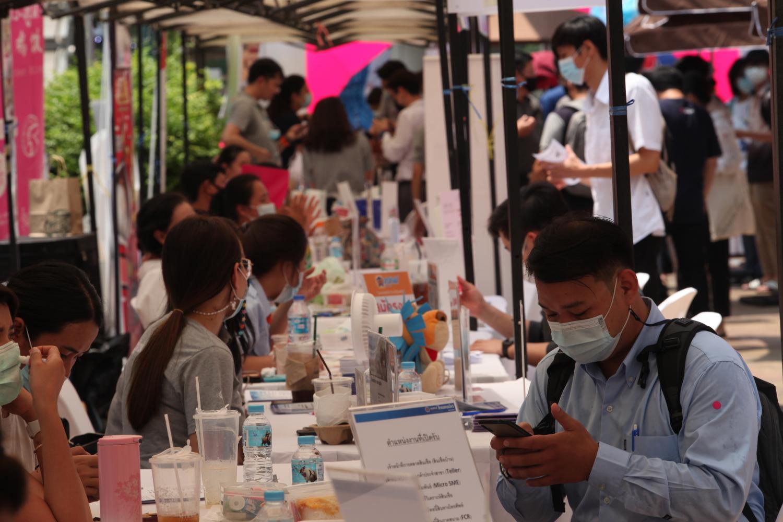 Job seekers applying for vacancies at the Bangkok Job Fair 2021 held in March.(Photo by Apichart Jinakul)