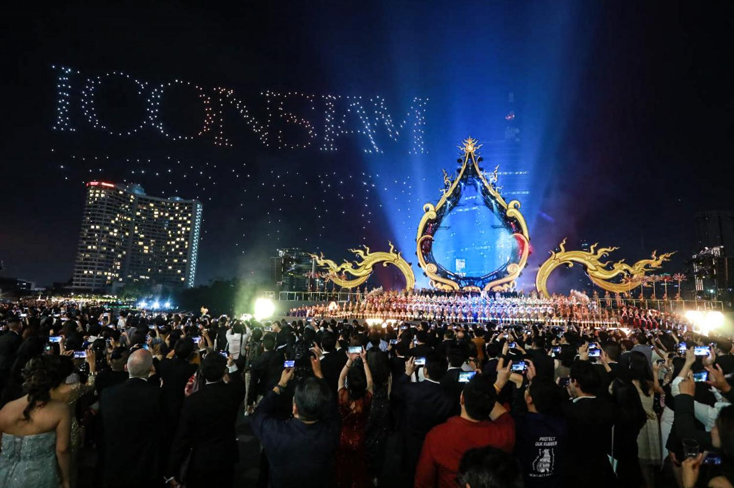 Intel helped to harness the power of 1,500 drones to create spectacular effects to mark the opening of Iconsiam in Bangkok in 2018. Photo courtesy of ICOnSiam