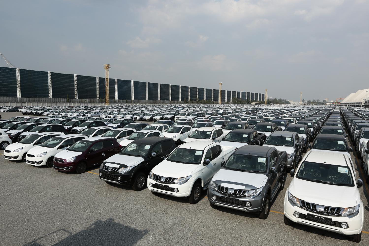 Cars sit ready for export at Laem Chabang Port in Chon Buri province.(Photo by Patipat Janthong)
