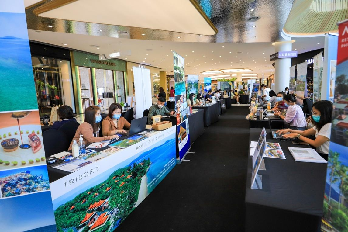 The Phuket sandbox project kicks off with the Central Phuket Hotel Fair, which is being held until Sunday at Central Phuket and offers discount promotions of up to 70% on hotels.