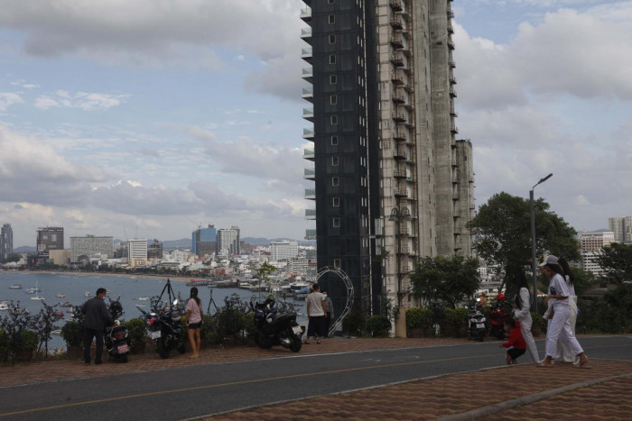 JLL warns of property market slowdown