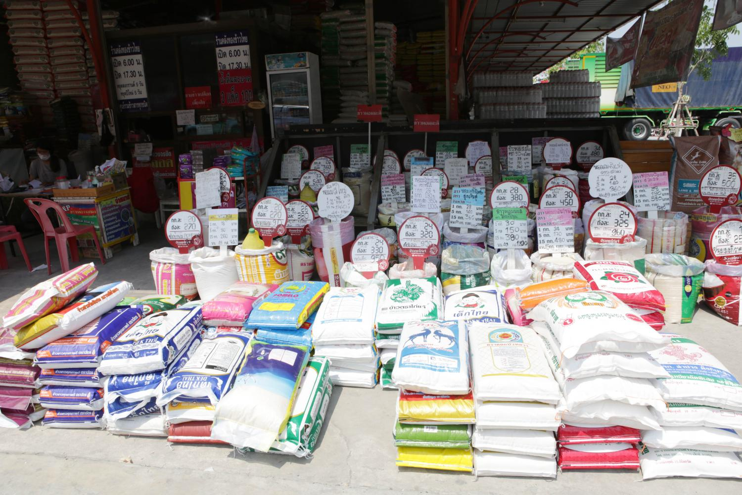 A wide variety of Thai rice is displayed for sale at a store in Pathum Thani province.(Photo: Apichit Jinakul)