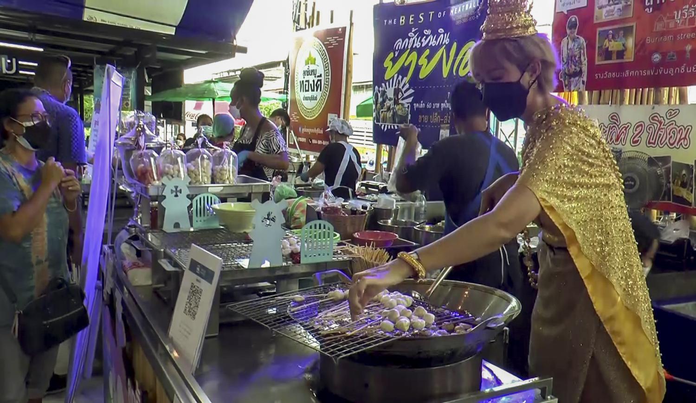 Lisa-mania boosts Buri Ram's annual meatball fair
