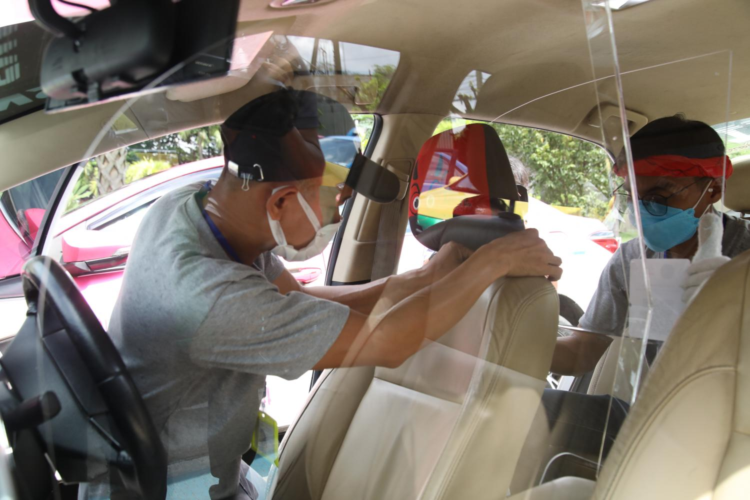 Taxis fitted with safety partitions