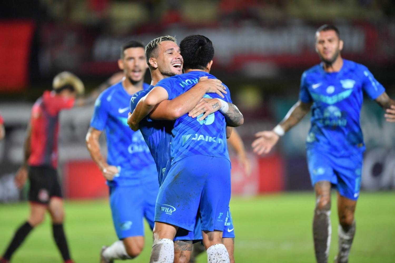 Bangkok United stun Buriram, Sharks fire 7 goals