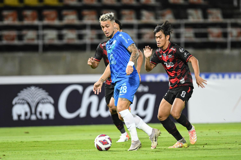 Bangkok United edge Sharks in close duel