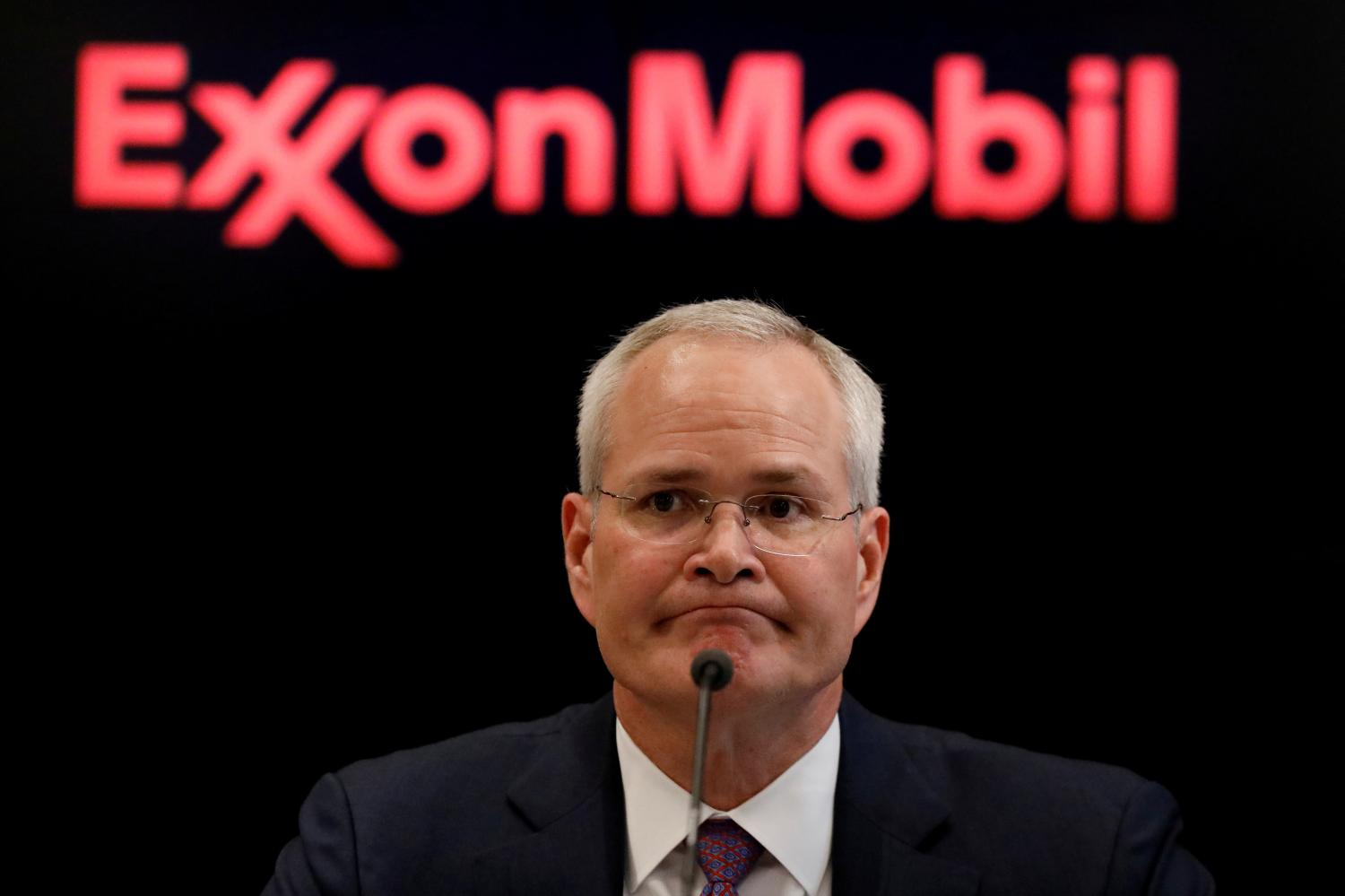 Exxon Debates Abandoning Some of Its Biggest Oil and Gas Projects
