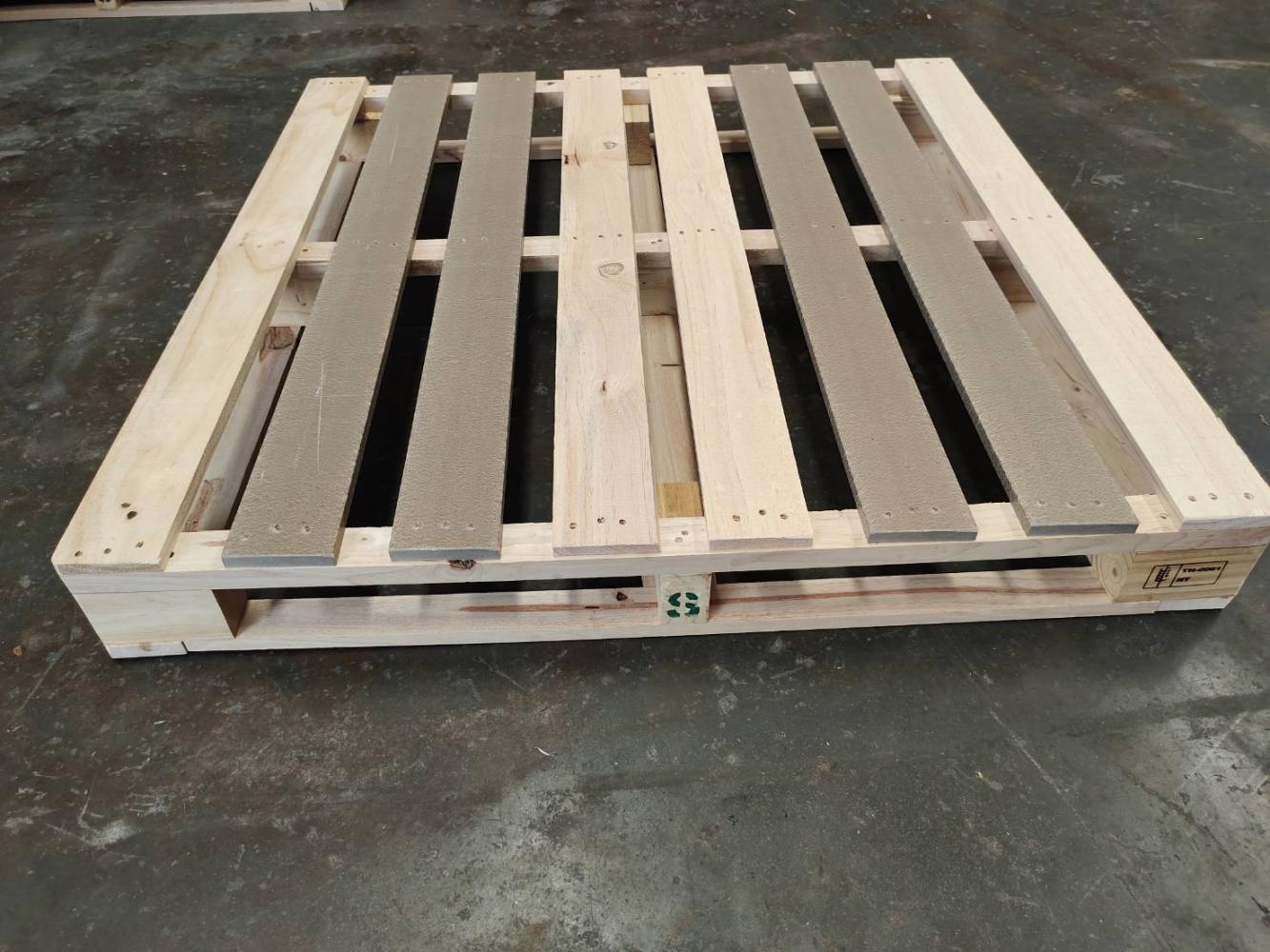 Initiative transforms waste into pallets
